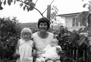 Tracey, Suzie and Mum